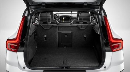 Volvo XC40 Gepäckraumgitter aus Stahl